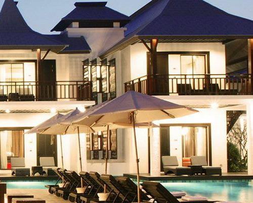 โรงแรมซีทรู บาย เดอะ ซายน์ (Z Through By The Zign Hotel) ที่พักพัทยา ชลบุรี