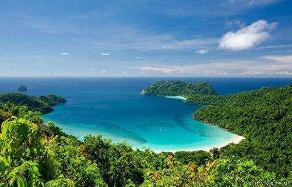 """""""เกาะมากุย"""" เพชรน้ำงามแห่งใหม่ของท้องทะเล"""