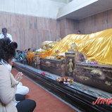 พระพุทธรูปปางไสยาสน์ในวิหารปรินิพพาน