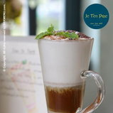 Je T'en Prie coffee bar