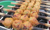 ชม ชิม แชะ อาหารพื้นบ้าน ขนมพื้นเมืองในงาน หัวหินรำลึก