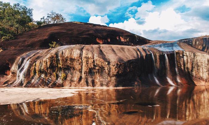 """""""น้ำตกถ้ำพระ"""" ดินแดนมหัศจรรย์ สร้างสรรค์โดยธรรมชาติ"""