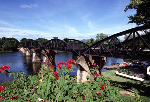 สะพานข้ามแม่น้ำแคว กาญจนบุรี