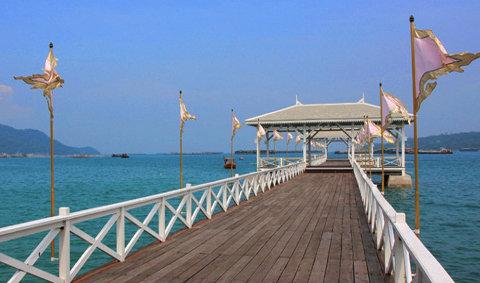 เกาะสีชัง...สวยน่าไปทุกฤดูกาล