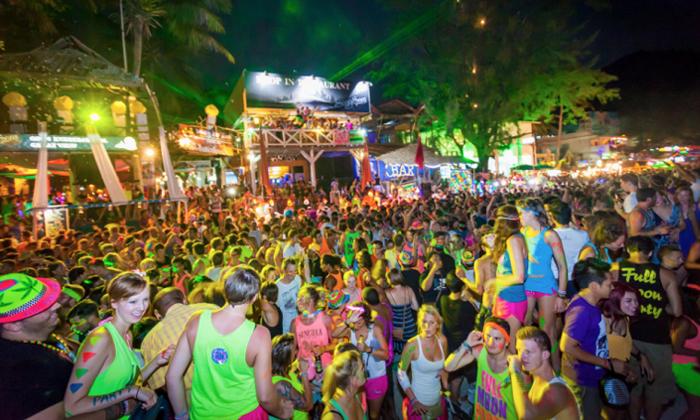 ปฏิทิน ฟูลมูน 2019 เกาะพะงัน ครึ่งปีหลัง ไปปาร์ตี้วันไหนได้บ้าง?! พร้อมอัพเดตปี 2020