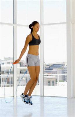ออกกำลังกายด้วยการ กระโดดเชือก