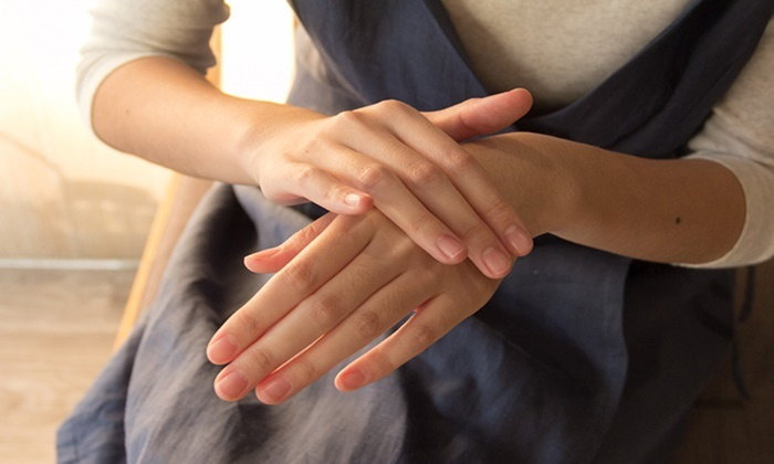 """เพราะ """"ผิวมือ"""" สำคัญกว่าที่คิด...รวมเรื่องเกี่ยวกับ """"มือ"""" ที่คุณไม่ควรมองข้าม"""