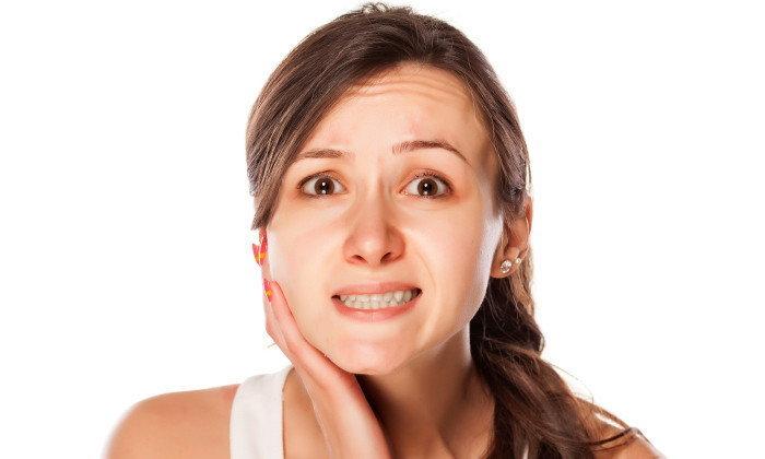 5 วิธีง่ายๆ ช่วยบรรเทาอาการปวดฟันเบื้องต้นอย่างได้ผล