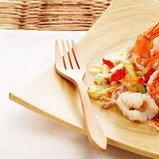 ยำมะระใส่ปลาหมึกและกุ้ง (ภาพนี้จากหนังสือแม่บ้าน)