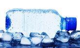 ดื่มน้ำเย็นแล้วปวดหัวจี๊ด เกิดจากอะไร อันตรายไหม เรื่องใกล้ตัวที่ต้องรู้ !