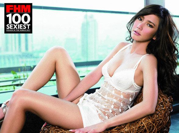 อั้ม พัชราภา ร่วมอวยพรนิตยสาร FHM ครบ 8 ปีก้าวเข้าสู่เล่มที่ 100