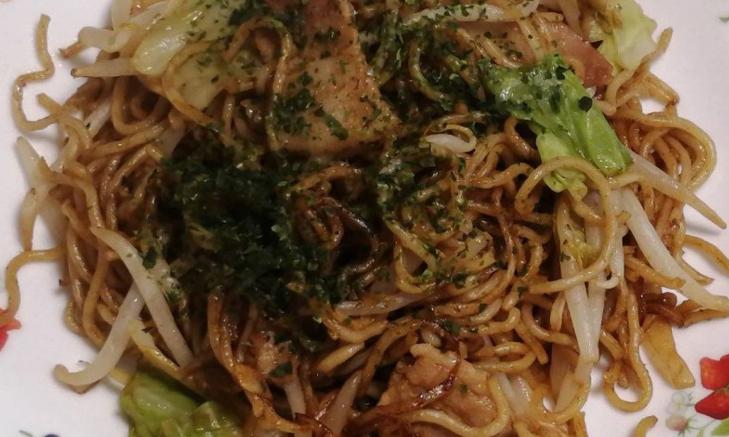 7 TIPS ที่จะเปลี่ยนยากิโซบะธรรมดาให้อร่อยเลิศเหมือนมืออาชีพ!