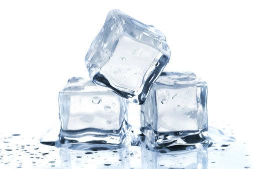 สารพัดประโยชน์ น้ำแข็งก้อนใส