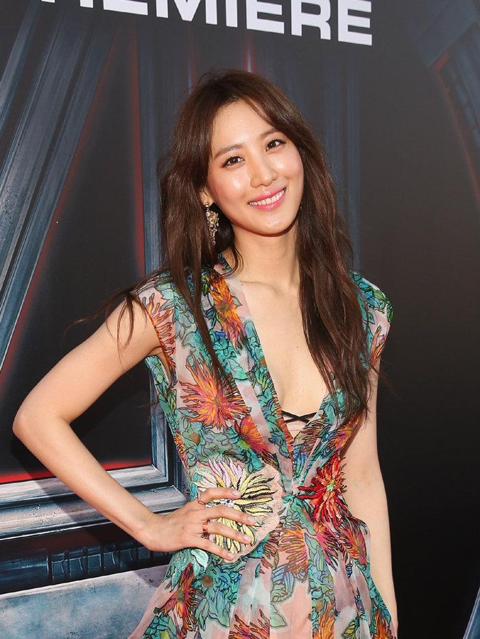Claudia Kim นางแบบชาวเอเชียคนแรกของ Bobbi Brown