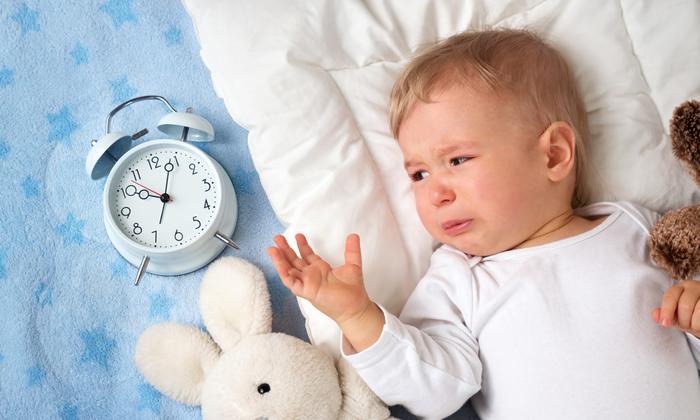ทำไมลูกชอบตื่นกลางดึก