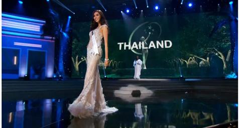 แอลลี่ พิมบงกช กับชุดประจำชาติไทยสุดสง่าบนเวที Miss Universe 2014