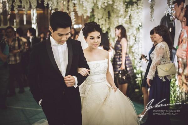 แบบชุดแต่งงานตอนท้อง (ดารา) เลือกอย่างไรให้สวยเหมาะ