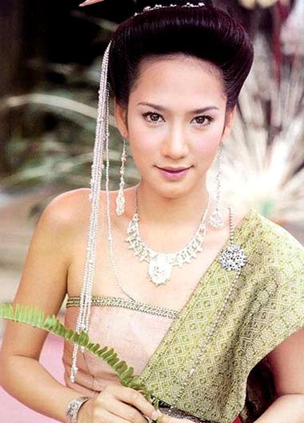นางเอกสวมชุดไทย สวยดุจนางในวรรณคดี