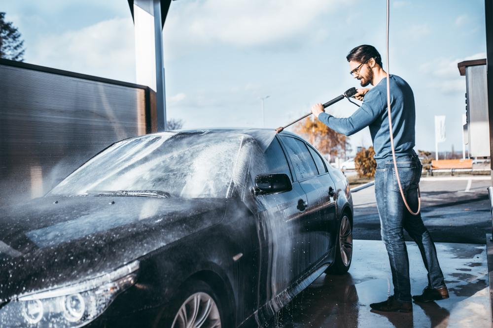ล้างรถสุดหวงให้หล่อเนี้ยบเหมือนออกจากคาร์แคร์ด้วย 5 ไอเท็มเด็ด