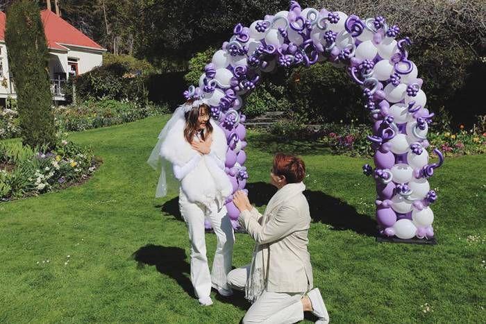 ขอแต่งงานแล้วจ้ากับ 5 โมเมนต์หวานซึ้งของคู่รักดาราน่าอิจฉาที่สุด